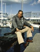 Ted_Hood_at_Little_Harbor_Marina_in_Portsmouth,_RI_circa_1990s
